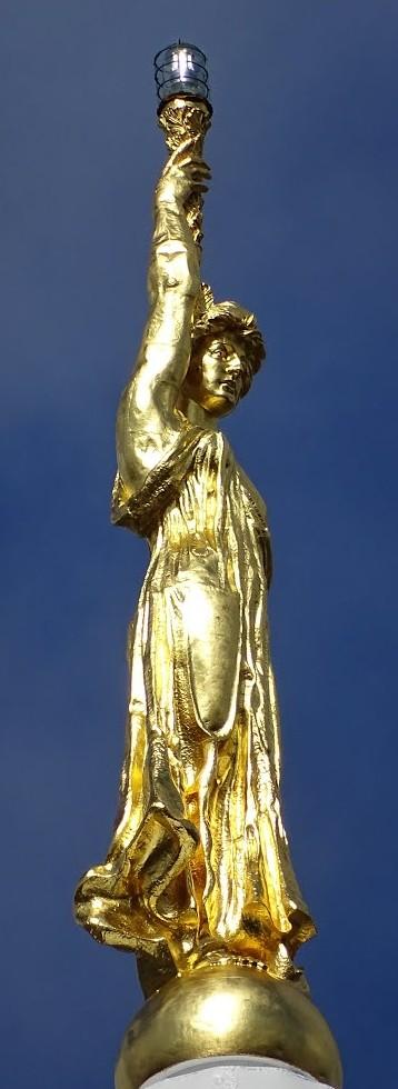 StatueOfWisdom-regilded